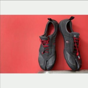 Olukai Maliki Men's Shadow Red shoes. NIB. 8